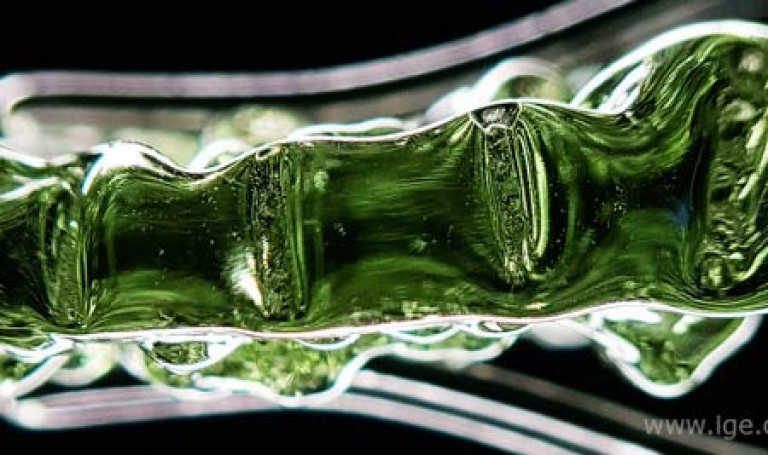 ige.org-ige.org-imitaciones-de-moldavita-hechas-de-vidrio-artificial-moldavita-imitacion-h-450x267