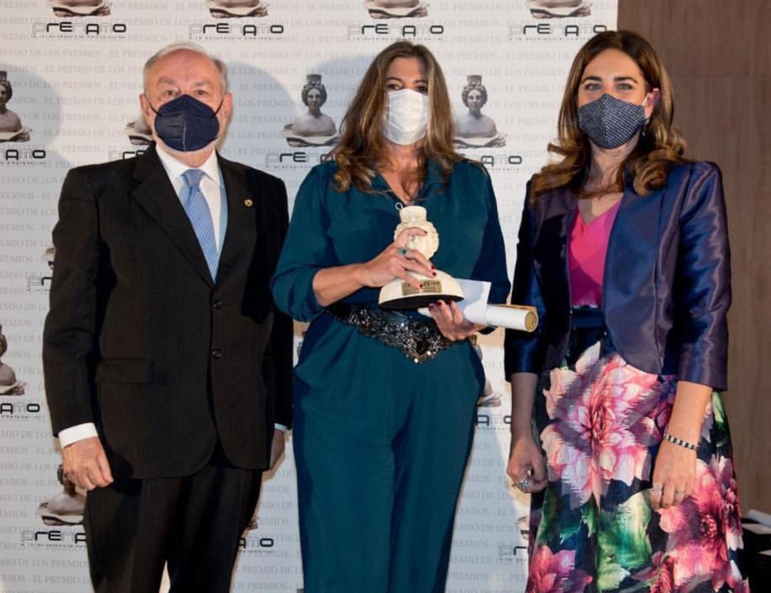 Virginia Benj y Lisi premio rec