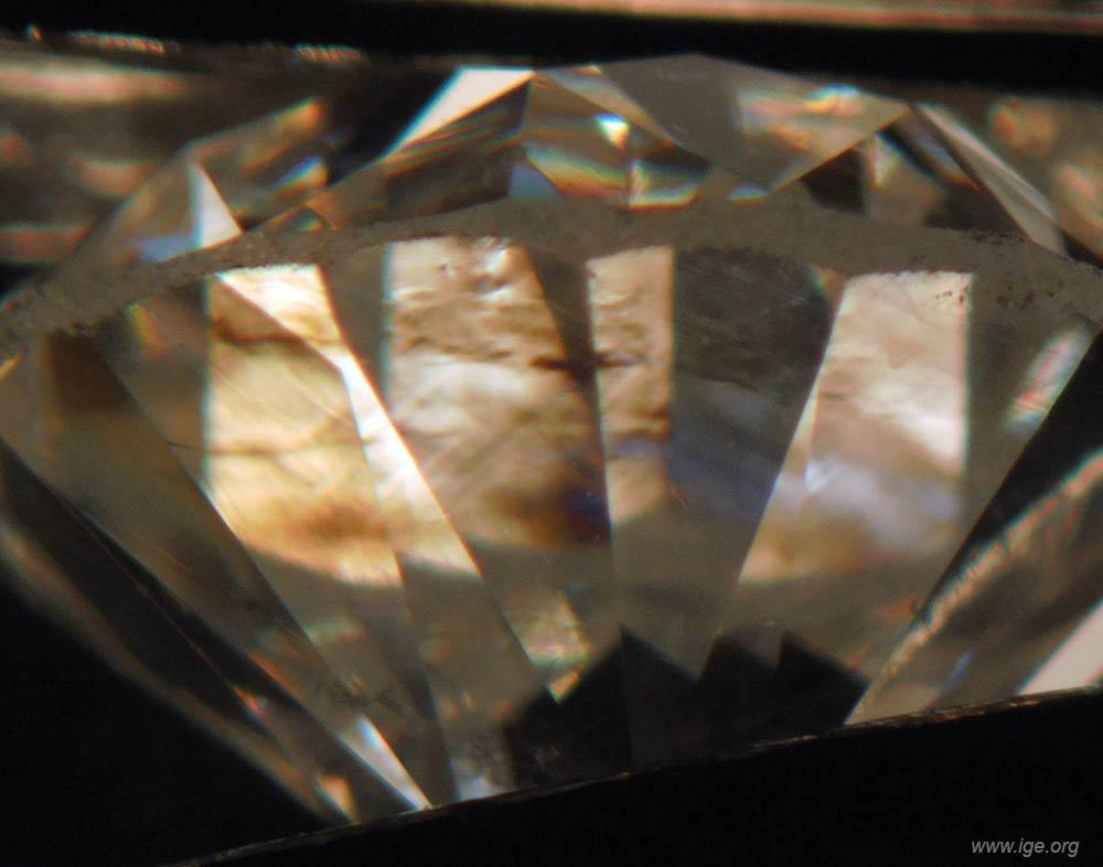 9d-birrefringencia-anomala-diamantes-naturales
