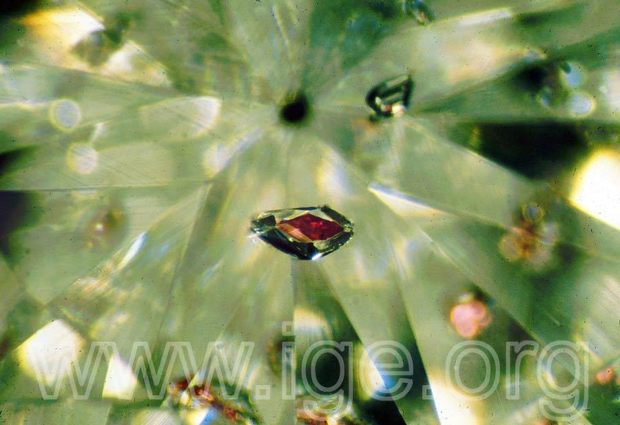 diamante_piropo_zoom